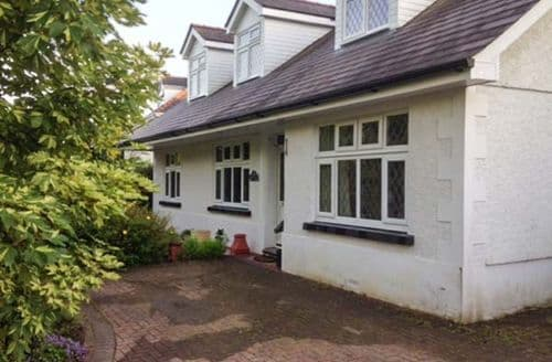 Last Minute Cottages - Wonderful Llandybie Lodge S71479