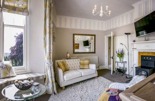 Last Minute Cottages - Inviting Lydney Apartment S60192