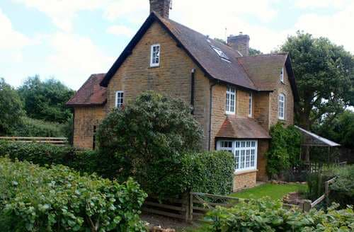 Last Minute Cottages - Delightful Stocklinch Cottage S80290