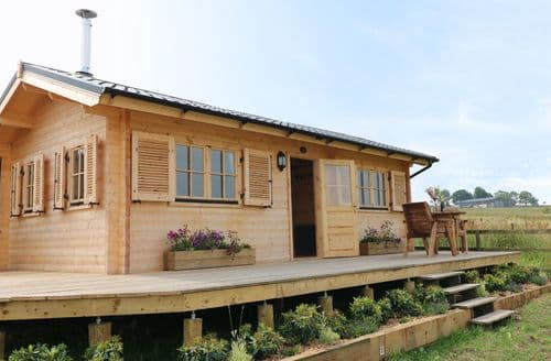 Last Minute Cottages - The Shooting Lodge