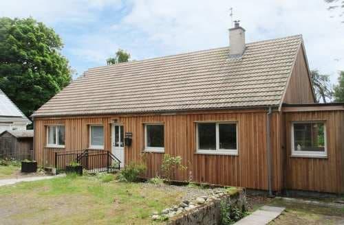 Last Minute Cottages - Quaint Newtonmore Cottage S74177