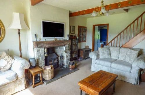 Last Minute Cottages - Leeshaw Cottage
