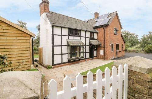 Last Minute Cottages - Inviting Pembridge Cottage S124051