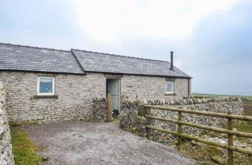 Last Minute Cottages - Five Wells Barn