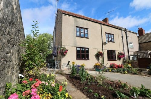 Last Minute Cottages - Stunning Clowne Cottage S122465