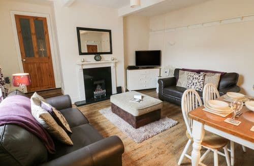 Big Cottages - Cosy Haworth Cottage S73861