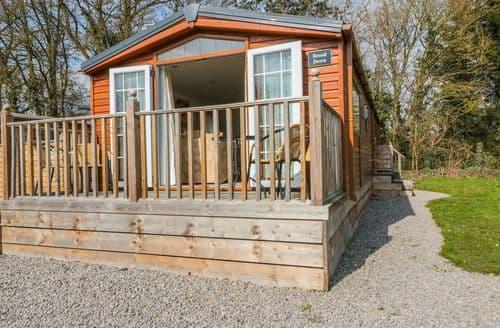 Last Minute Cottages - Tasteful Great Malvern Lodge S70392