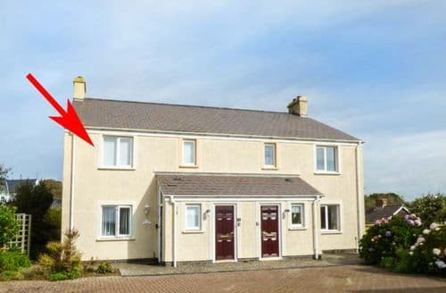 Last Minute Cottages - Tasteful Solva Apartment S71391