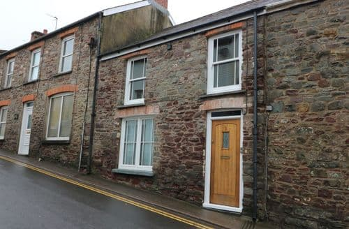 Last Minute Cottages - Superb Laugharne Cottage S90900