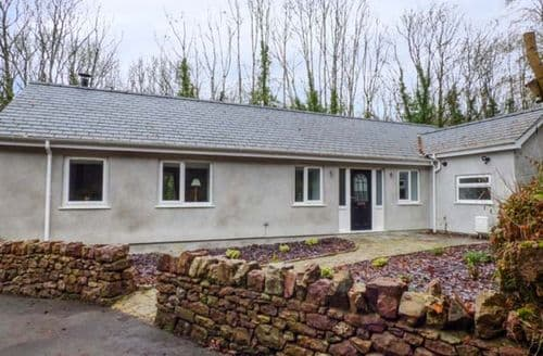 Last Minute Cottages - Delightful Port Dinorwic Cottage S73371