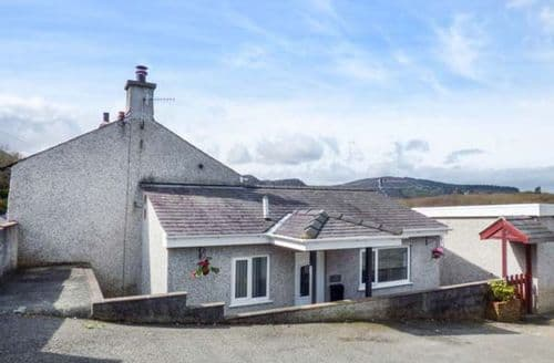 Last Minute Cottages - Charming Bethesda Cottage S79989