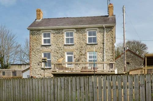 Last Minute Cottages - The Farmhouse