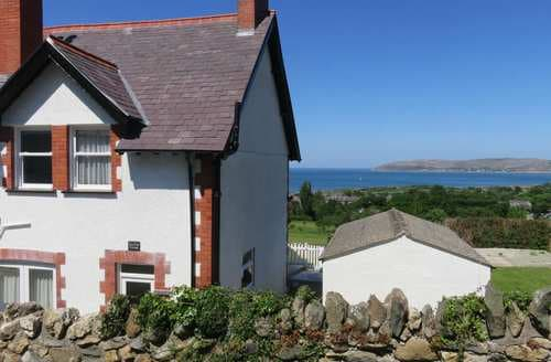 Last Minute Cottages - Cae Glas Cottage