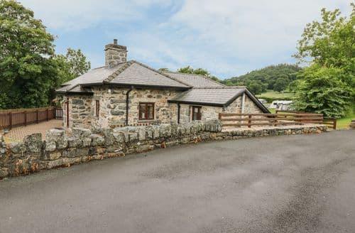 Last Minute Cottages - Tasteful Bala Cottage S105914