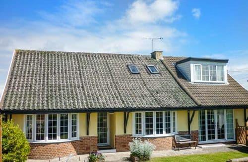 Last Minute Cottages - Exquisite Ludchurch Cottage S72791