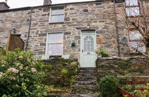 Last Minute Cottages - Lovely Prenteg Cottage S134163