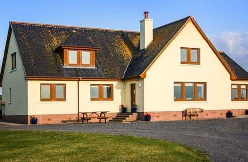 Last Minute Cottages - Corsewall Castle Farm Lodges