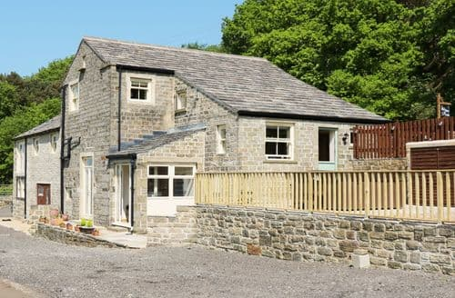 Last Minute Cottages - Old Hay Barn