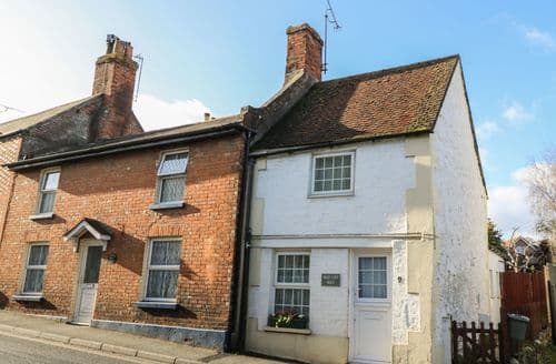 Last Minute Cottages - Luxury Brading Cottage S92873