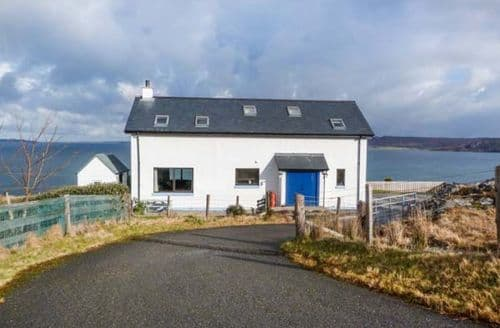 Last Minute Cottages - Coast House