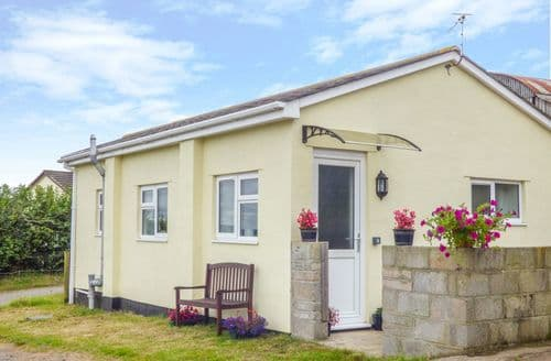 Last Minute Cottages - The Old Dairy Holiday Cottage