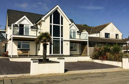 Last Minute Cottages - Glan Y Mor