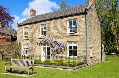 Dog Friendly Cottages - The Green