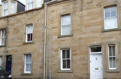 Last Minute Cottages - Cosy Jedburgh Apartment S71884