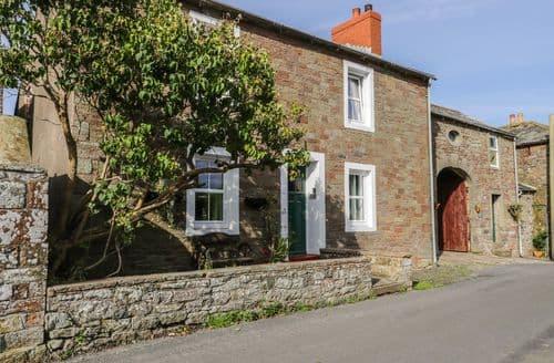 Last Minute Cottages - Pear Tree Farm Cottage