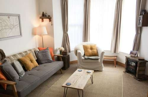 Last Minute Cottages - 1 Sunset Apartments