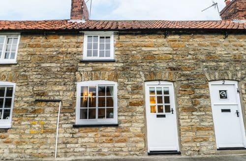 Last Minute Cottages - Quaint Ingham Cottage S88760