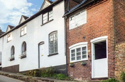 Last Minute Cottages - Cosy Bewdley Cottage S78392