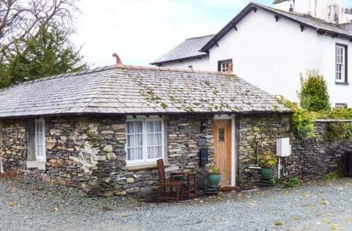 Last Minute Cottages - Ees Wyke Studio