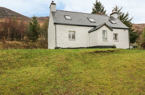 Last Minute Cottages - Creag Mhor Cottage