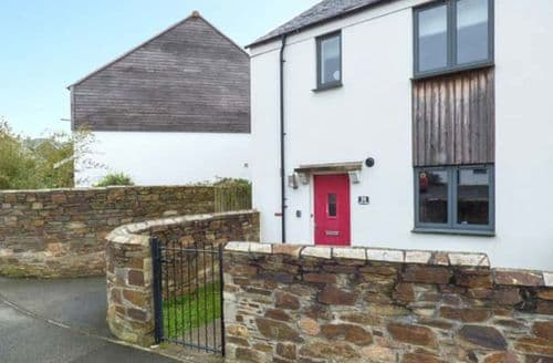 Last Minute Cottages - Excellent Charlestown Cottage S79810