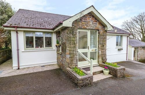 Last Minute Cottages - Luxury Templeton Cottage S73813