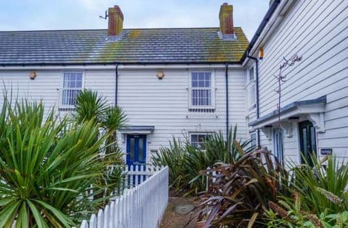 Last Minute Cottages - Charming Camber Cottage S76920