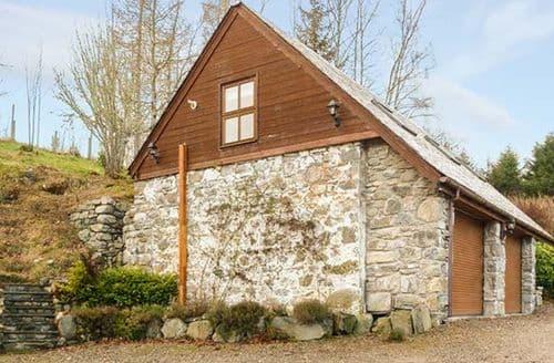 Last Minute Cottages - Lakefield Apartment