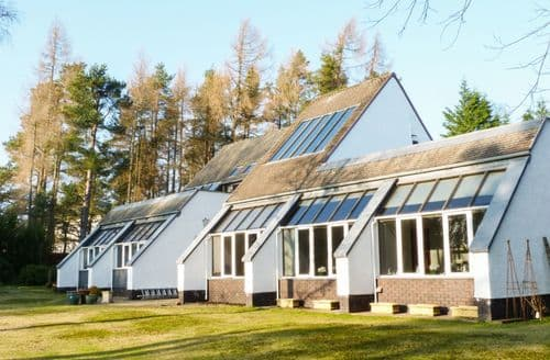 Last Minute Cottages - Superb Gleneagles Village Cottage S83755