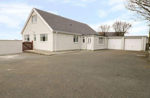 Last Minute Cottages - Beautiful Penysarn Cottage S93160