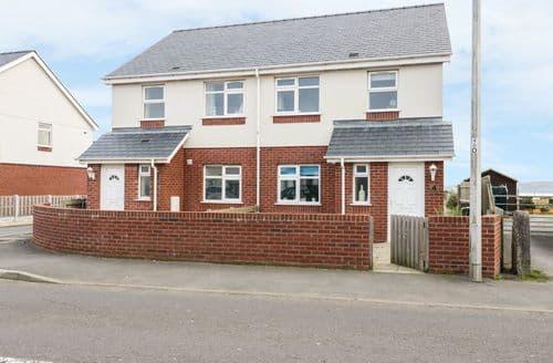 Last Minute Cottages - Lovely Benllech Cottage S88121