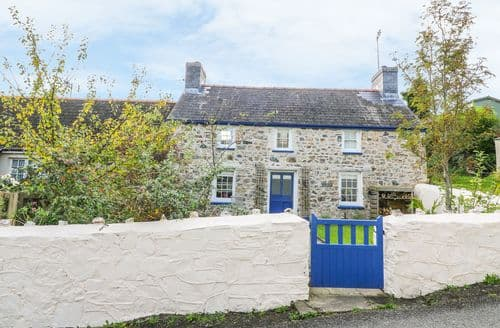 Last Minute Cottages - Beautiful St. Dogmaels Cottage S85954