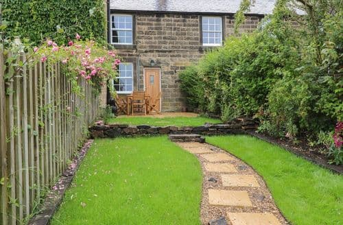 Last Minute Cottages - Riber View