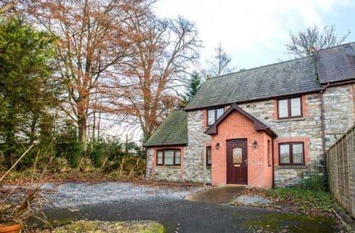 Last Minute Cottages - Tregyb Mill