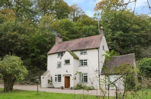 Last Minute Cottages - Town Mill