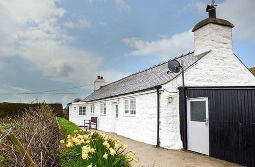 Last Minute Cottages - Ty Hen