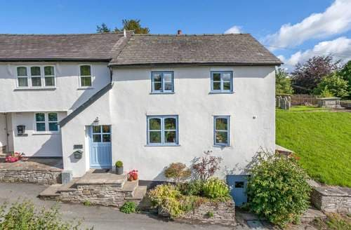 Last Minute Cottages - Luxury Beguildy Cottage S82876