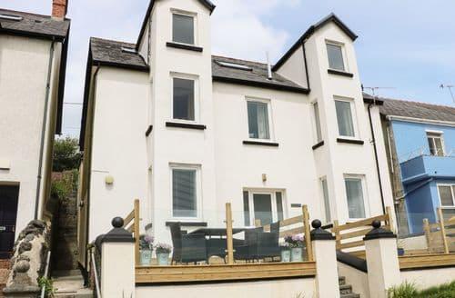 Last Minute Cottages - Wonderful Amroth Apartment S79727