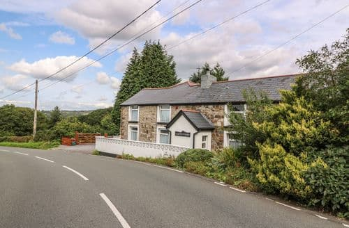 Last Minute Cottages - Llwynyfesen