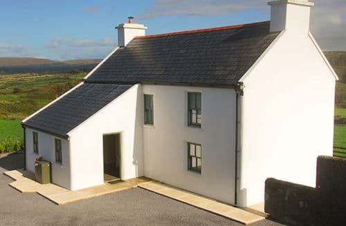 Last Minute Cottages - Nellie's Farm House